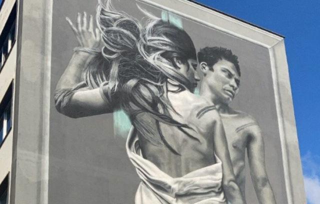 Outside In: inaugurato a Roma il primo murales green a tema LGBTQ+